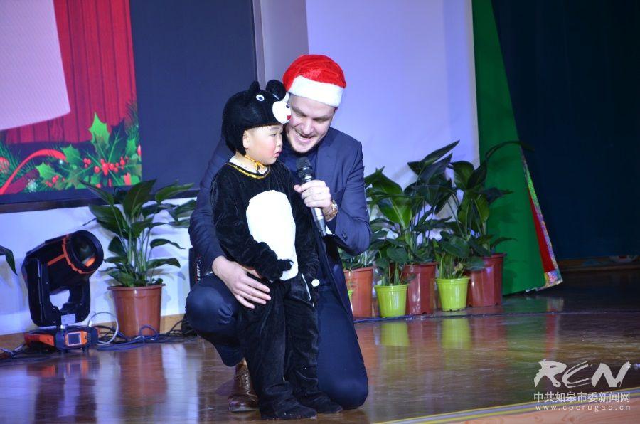 """龙游湖禾光国际幼儿园举行""""迎圣诞汇报表演"""""""