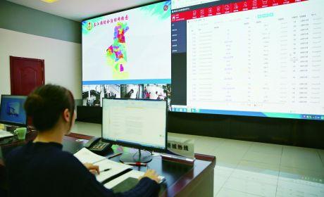 """长江镇推动平台""""1+4""""建设"""