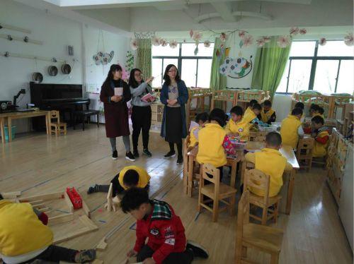 交流助提升,携手促发展——如皋市幼儿园第三共同体专家组对下原镇花园幼儿园进行随班指导2