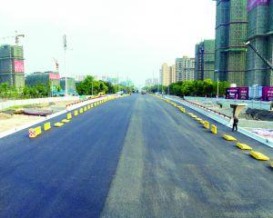 萬壽路橋梁及道路工程機動車道順利完工