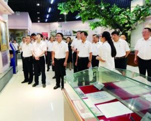 市四套班子党员领导在红十四军纪念馆接受革命传统教育