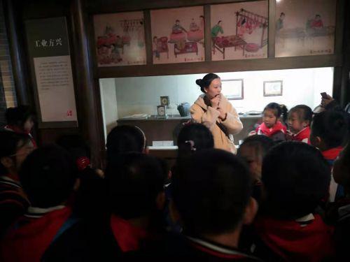 江安镇江安实验学校小学部:新时代文明实践在如皋好少年馆校衔接游古城5