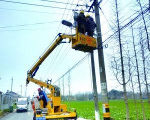 市城市照明管理处支部工作人员 为路灯安装提供技术服务与指导