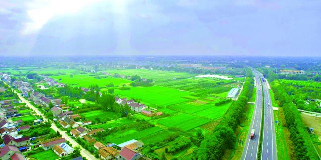 高空鸟瞰磨头镇佘马村 一幅美丽新农村